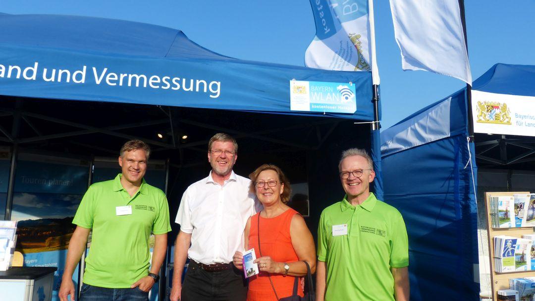dd6d8cac52 Präsident Wolfgang Bauer – Umweltminister Marcel Huber mit Frau –  Amtsleiter Ottmar Reschberger